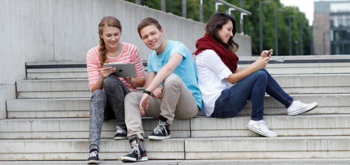 Schüler nutzen überwiegend Online-Angebote