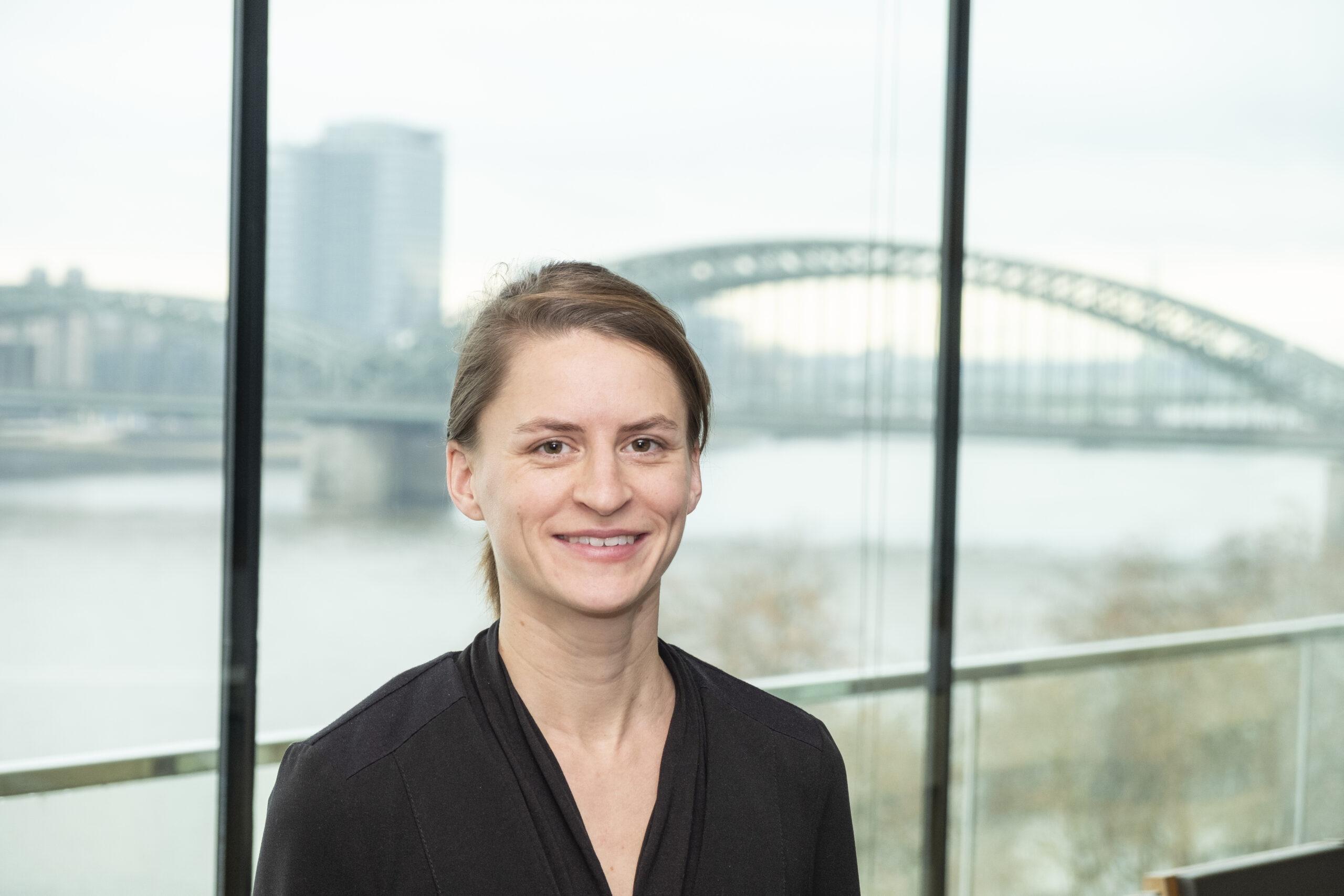 Dr. Ruth Maria Schüler ist Expertin für Bildung, Zuwanderung und Innovation beim Institut der Deutschen Wirtschaft.